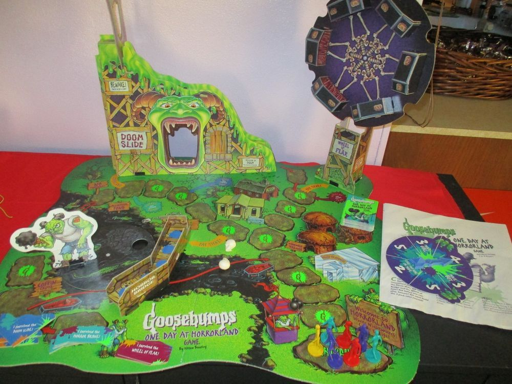 Vintage Goosebumps One Day At Horrorland Board Game 1996