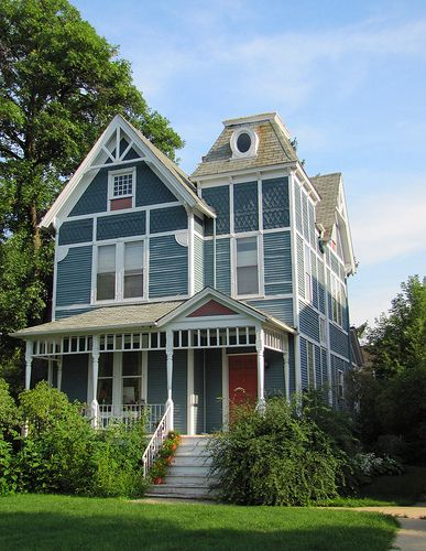 Blue house with white trim for the home victorian - White house with blue trim ...