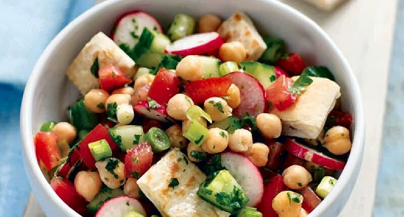 Chickpea and Pita Salad - A zesty salad with Middle Eastern flavours and lots of refreshing vegetable textures.  - http://aussietaste.recipes/legume-dishes/chickpea-and-pita-salad/  -   #recipe