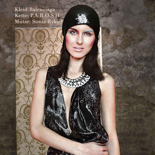 CAP: #soniarykiel CHAIN: #parosh DRESS: #balenciaga #exklusiv vintage online shop MyMint
