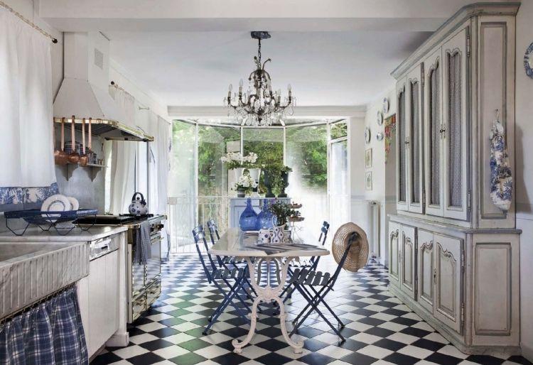 Fußboden Küche Landhausstil ~ Französischer landhausstil in der küche weiß blau und