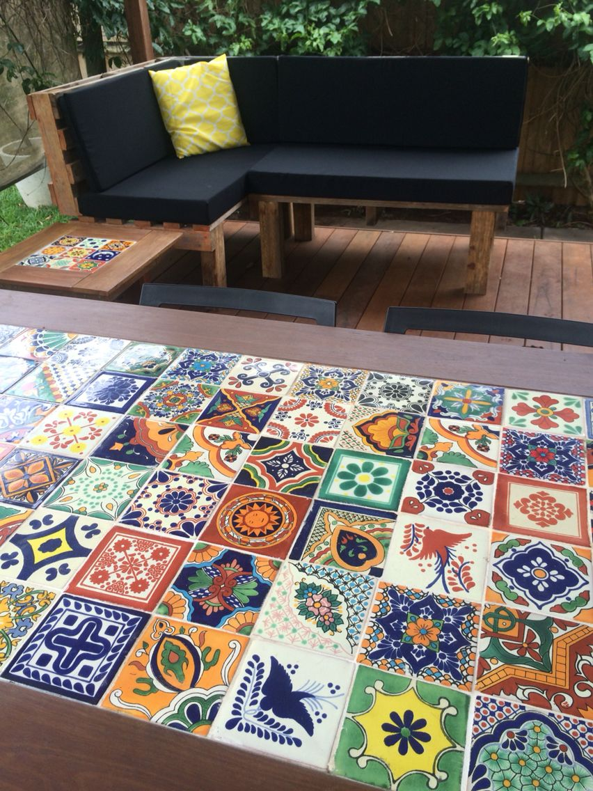 Diy mexican tile timber table and pallet day bed table palette patio table outdoor