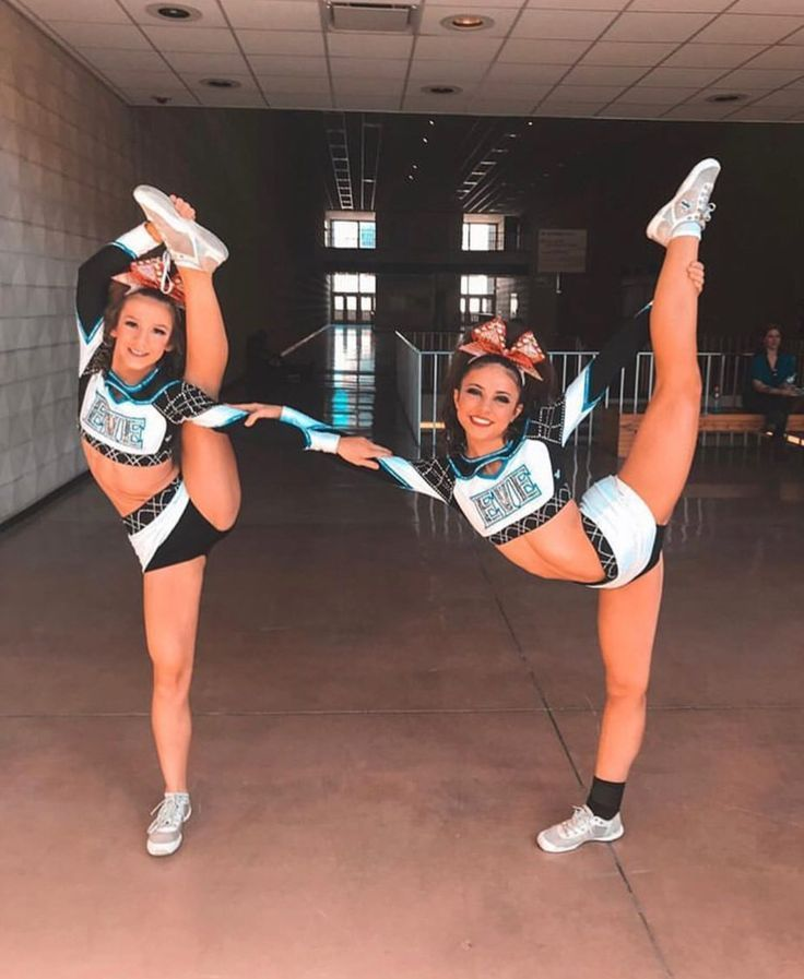Cheer Girls | Cheer girl, Cheer poses, Cheerleading photos