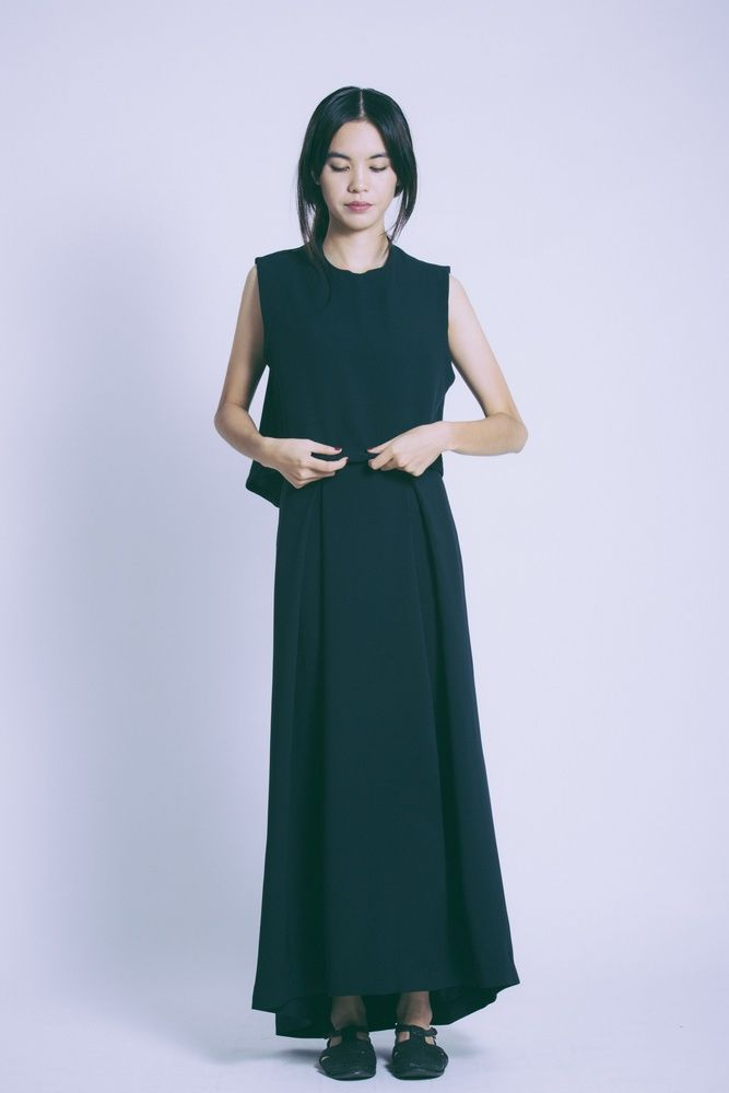 Black Blue Wind Chime Raised Collar Cropped & Black Blue Ring Pleated Maxi Skirt