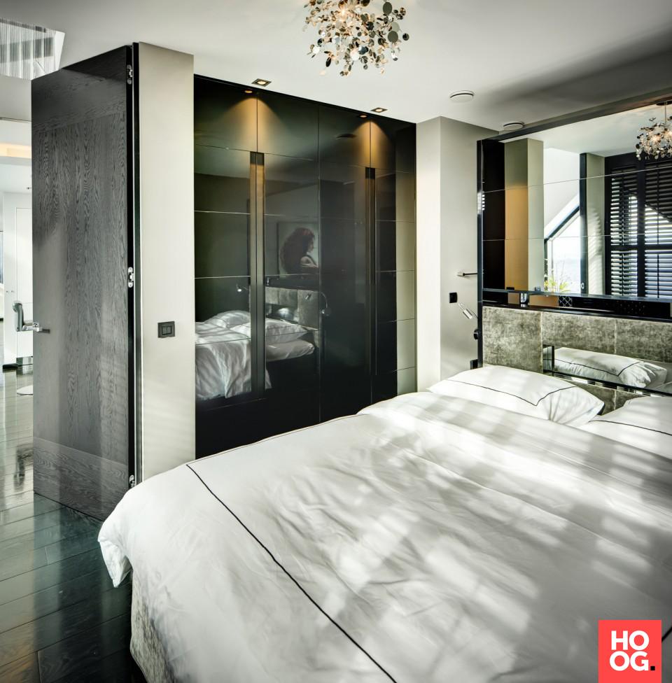 Luxe slaapkamer inrichting met tweepersoonsbed | Urban Luxury ...