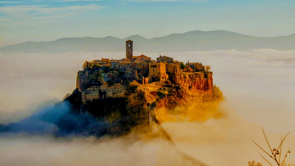 15 Amazing Places In Italy That Look Like Those From Fairy Tales