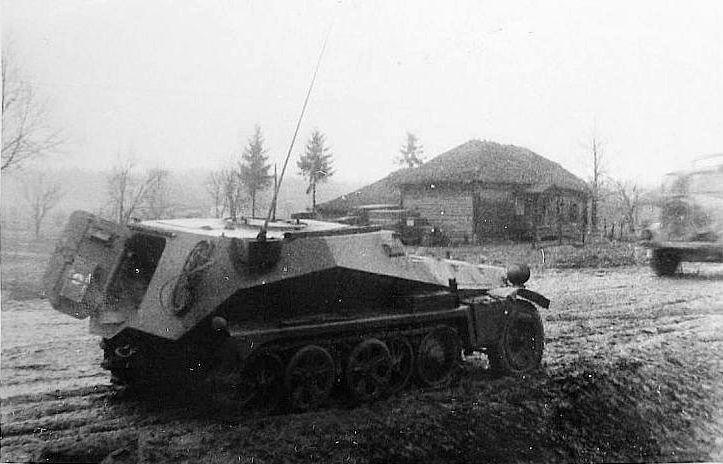 sd kfz 253 leichter gepanzerter beobachtungskraftwagen sd armored car and armored vehicles. Black Bedroom Furniture Sets. Home Design Ideas