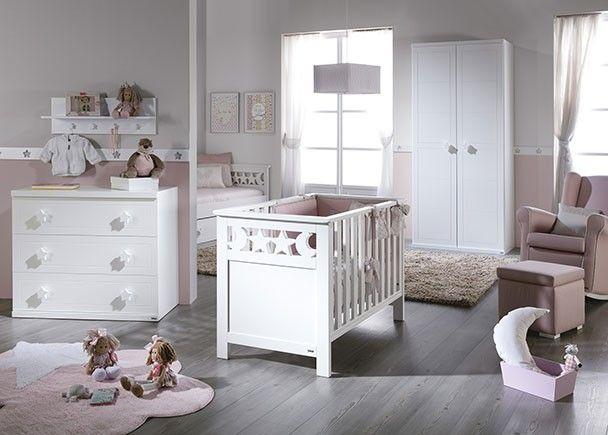 Dormitorio infantil con cuna cómoda de 3 cajones y armario ...