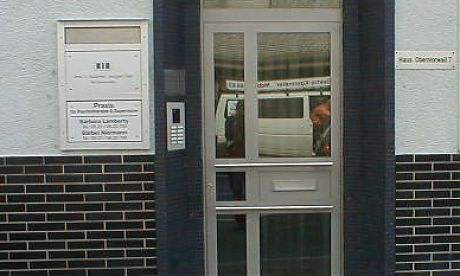 Türen Bielefeld aluminiumtür mit sprossen und viel glas in modernem design vom