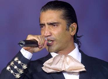 Alejandro Fernandez It S His Crooning Music Memories Alejandro Fernández Spanish Music