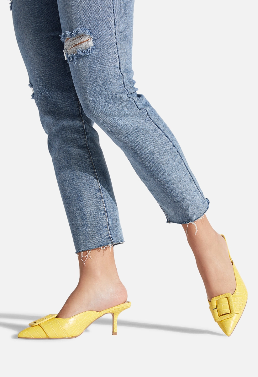 Shanell Kitten Heel Pump Shoedazzle In 2020 Kitten Heel Pumps Pumps Heels Kitten Heels