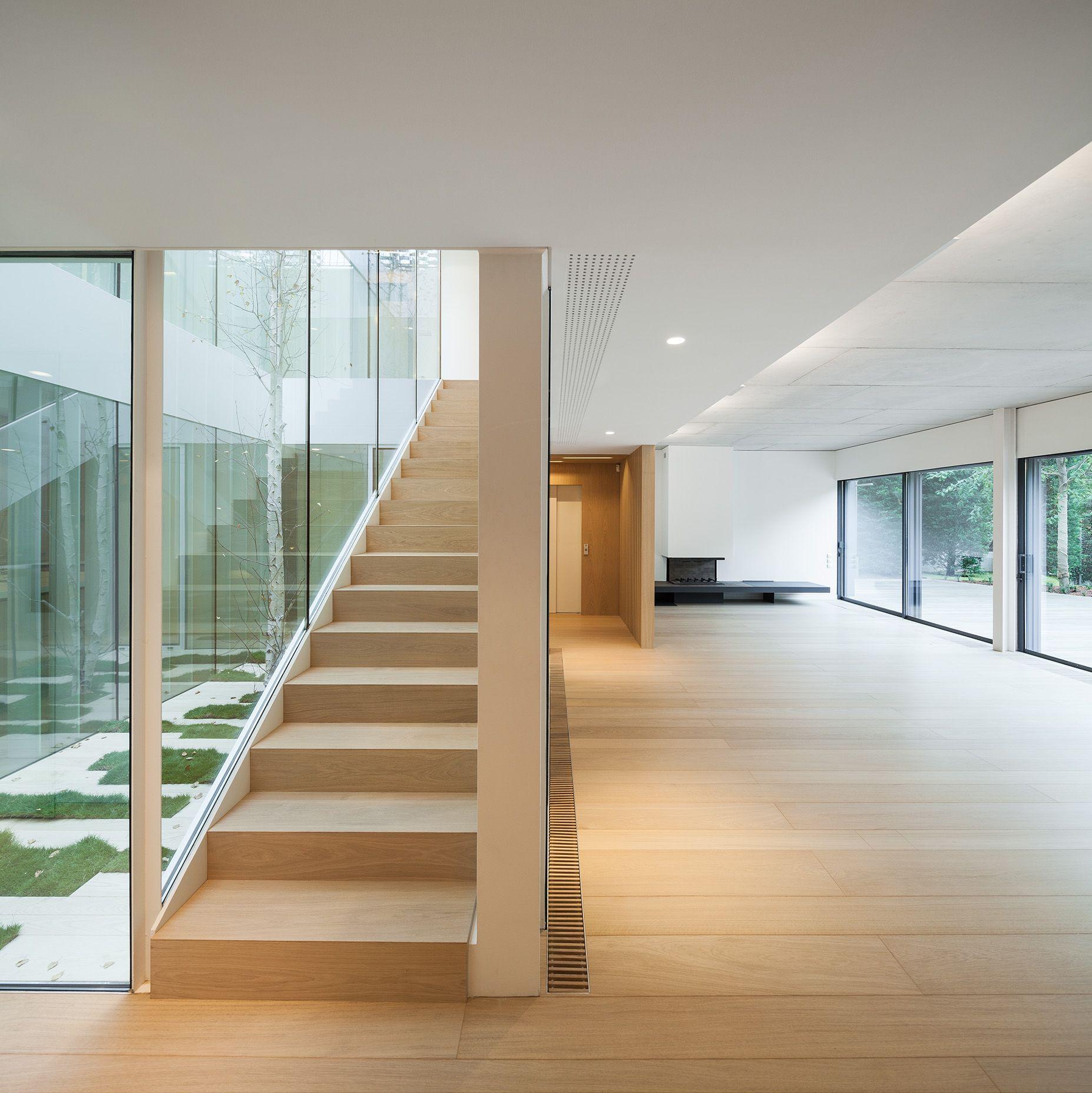 Tr house in barcelona by pmmt escaleras casas for Casa minimalista barcelona capital