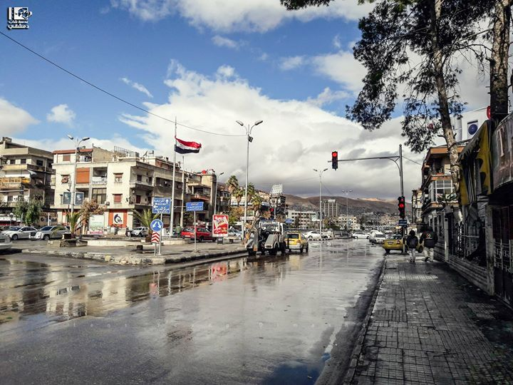 تقاطع شارع بغداد والثورة دمشق في 3 12 2016 Bagdad And Thawra St Crossroad Damascus On 3 12 2016 Syria Damascus دمشق سوريا عدسة شا Photo Street View Scenes