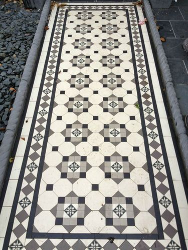 Victorian Mosaic Path Floor Tiles Black White Grey Flower Design 35 50mm Oct Tri With Images Victorian Tiles Victorian Front Garden