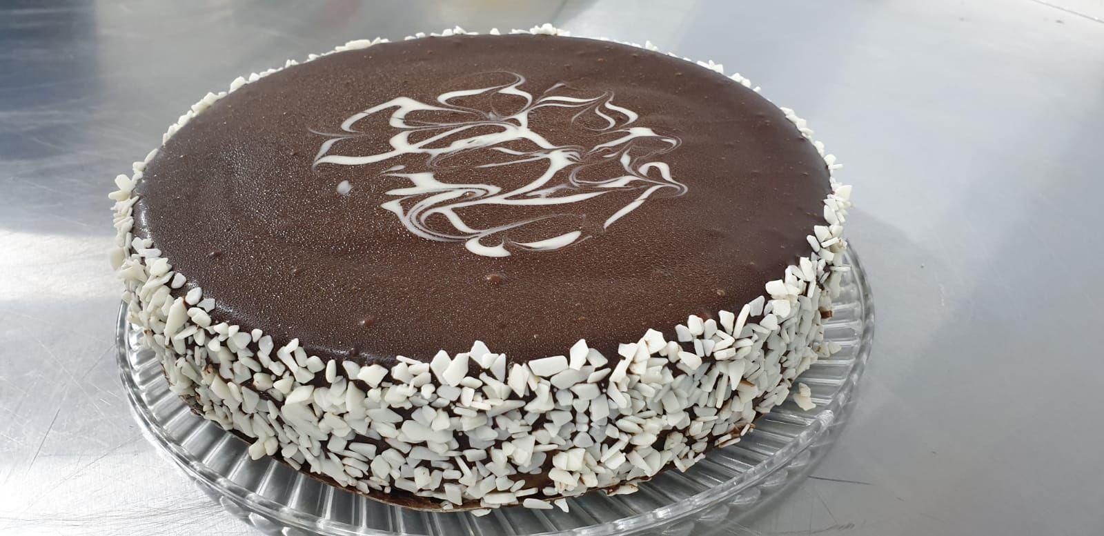 Custom Cake Cake, Custom cakes, Cake hut