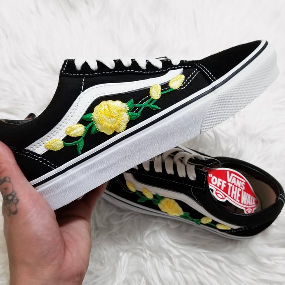 134327b694e3a Rose Buds Yellow/Blk Low-Top Unisex Custom Rose Embroidered-Patch ...