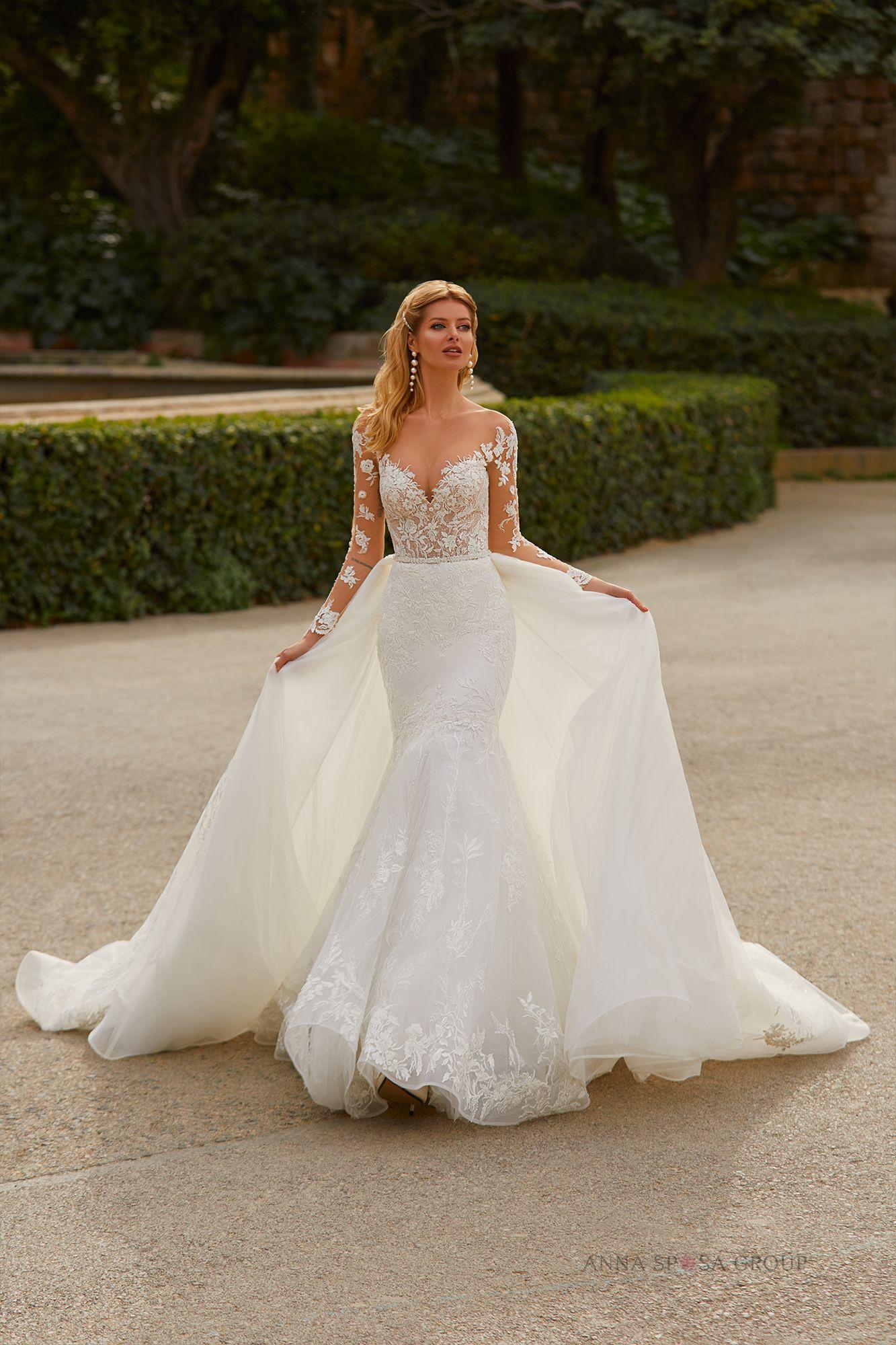 Romessa Wedding Dress Barcelona Bridal Collection Wedding Dresses Detachable Train Wedding Dress Long Train Wedding Dress [ 2000 x 1333 Pixel ]