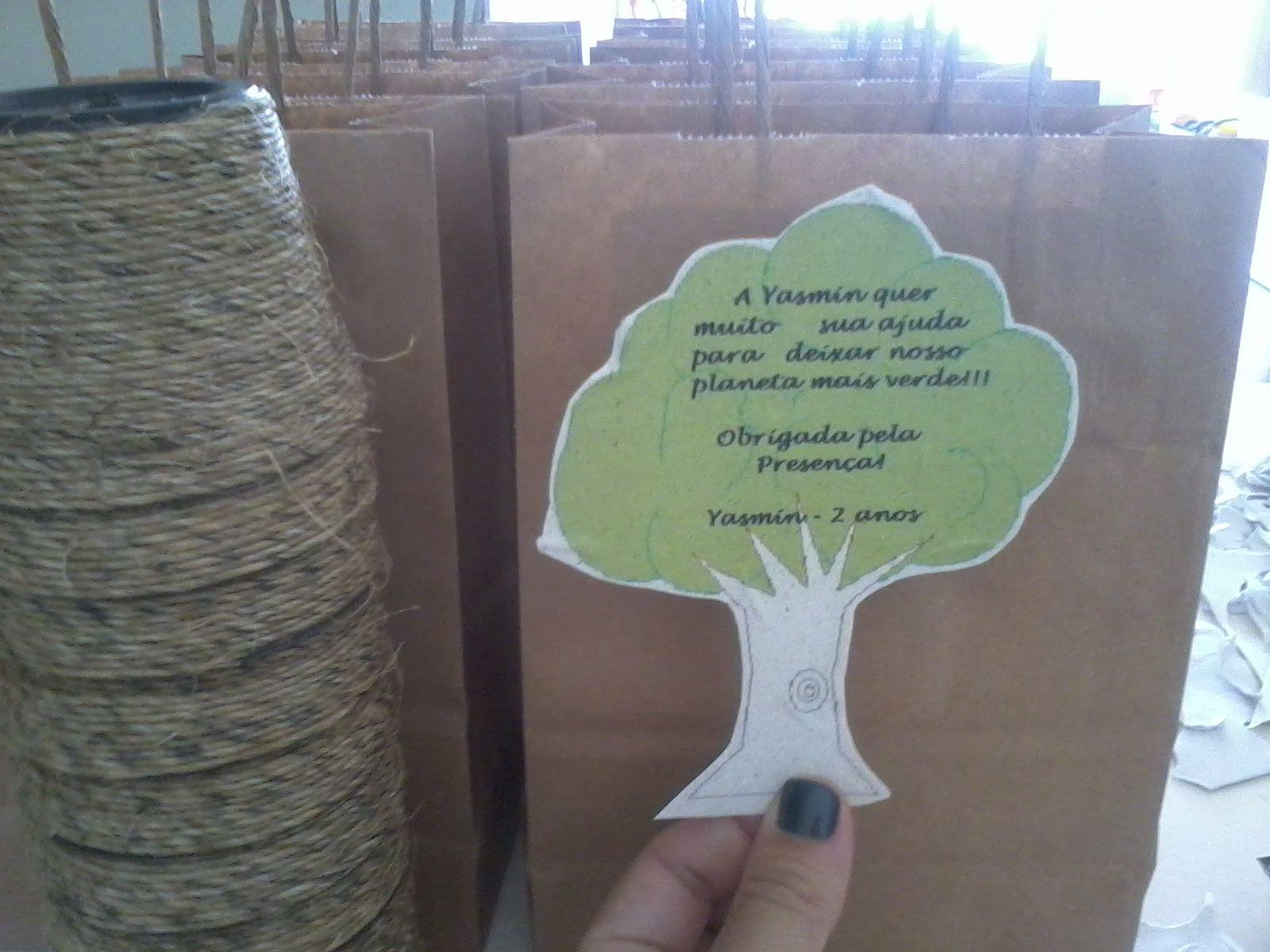 Lembrancinha 'eco'. Utilizando papel semente.