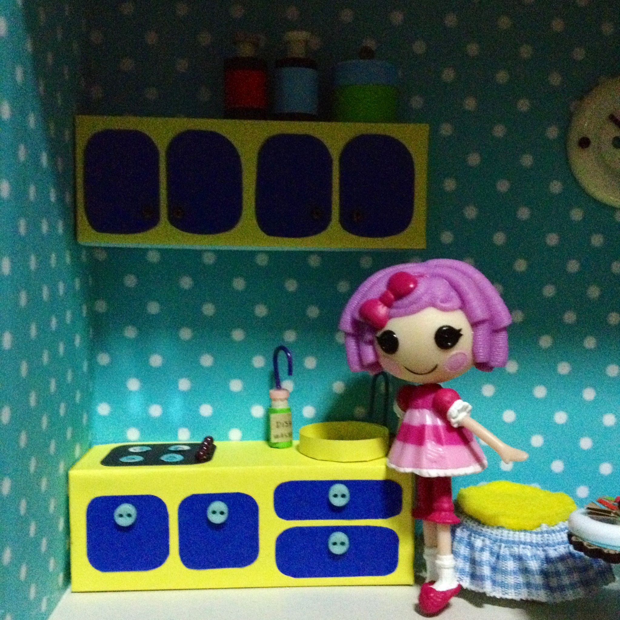 Kitchen cabinet for my mini lalaloopsy dollhouse | My happy crafts ...