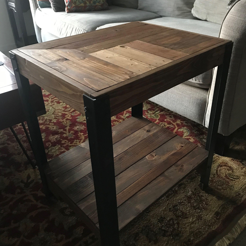 Banc D Entrée En Palette table d'appoint bois de palette avec pieds en métal et