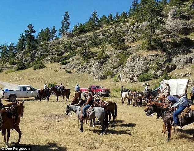 Tourists on MT wagon train blocked by angry tribal members