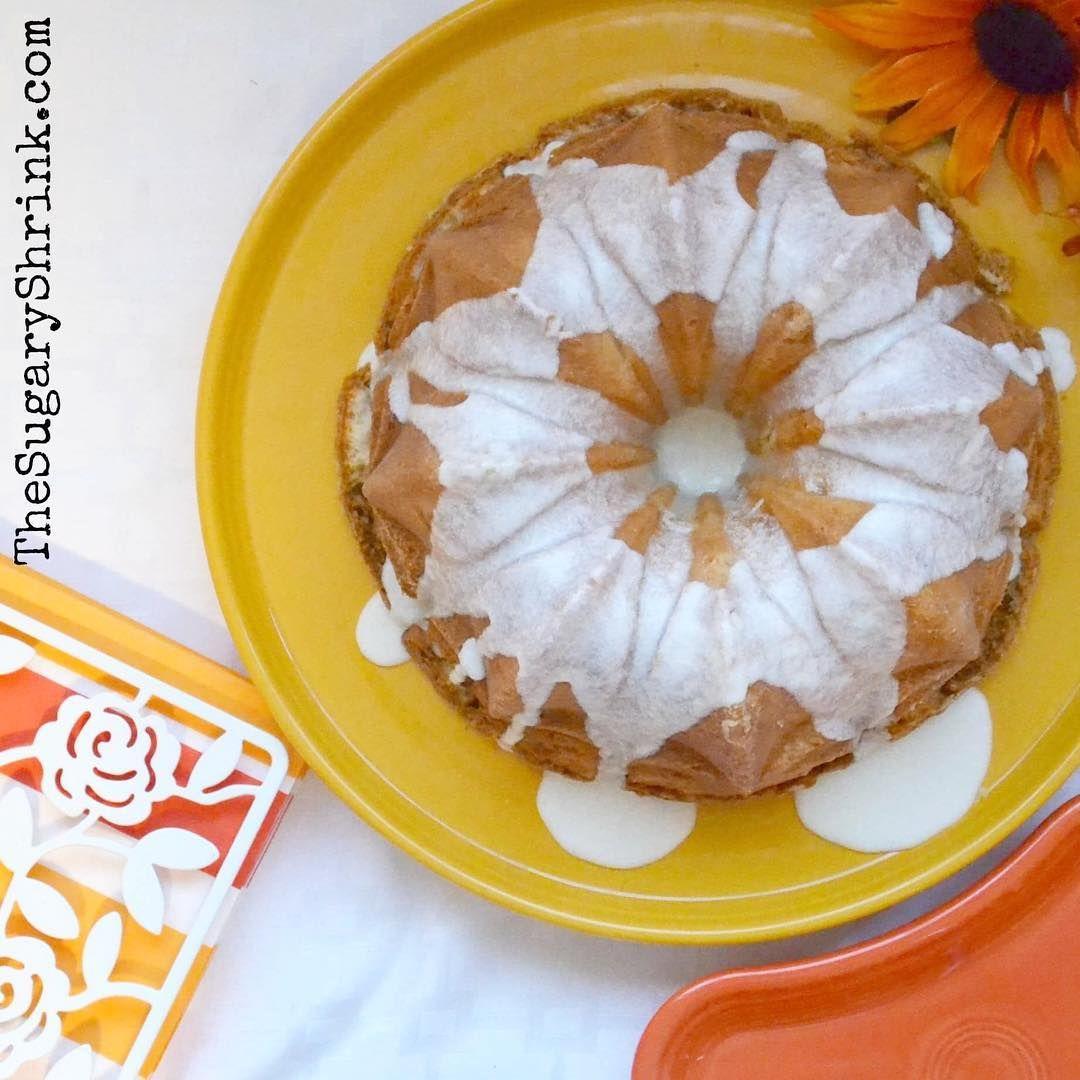 Peaches And Cream Bundt Cake With My Favorite Martha Stewart Vanilla Glaze This Dessert Was Sooo Delicious If You Enjoy Fr Delicious Fiesta Dinnerware Food