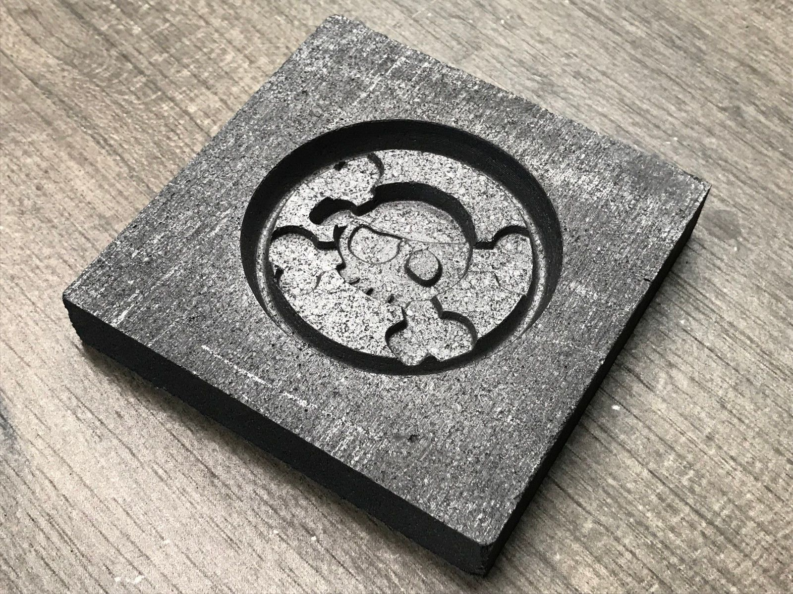 Jewelry Molds 67711: Jolly Skull Coin Graphite Mold For