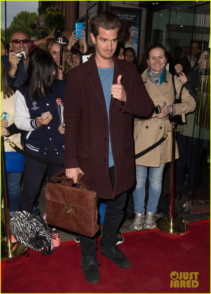 Andrew Garfield & Jamie Campbell Bower Support 'The Spoils' on Opening Night: Photo #3672369. Andrew Garfield gives a thumbs up while heading to watch the opening night of The Spoils at the Trafalgar Studios on Thursday evening (June 2) in London, England.…