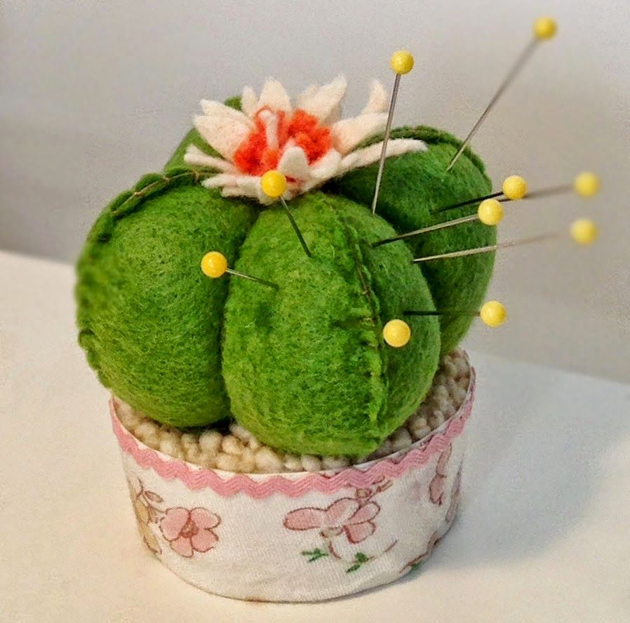 Tutorial - How to Make a Cactus Pincushion - Totally Tutorials