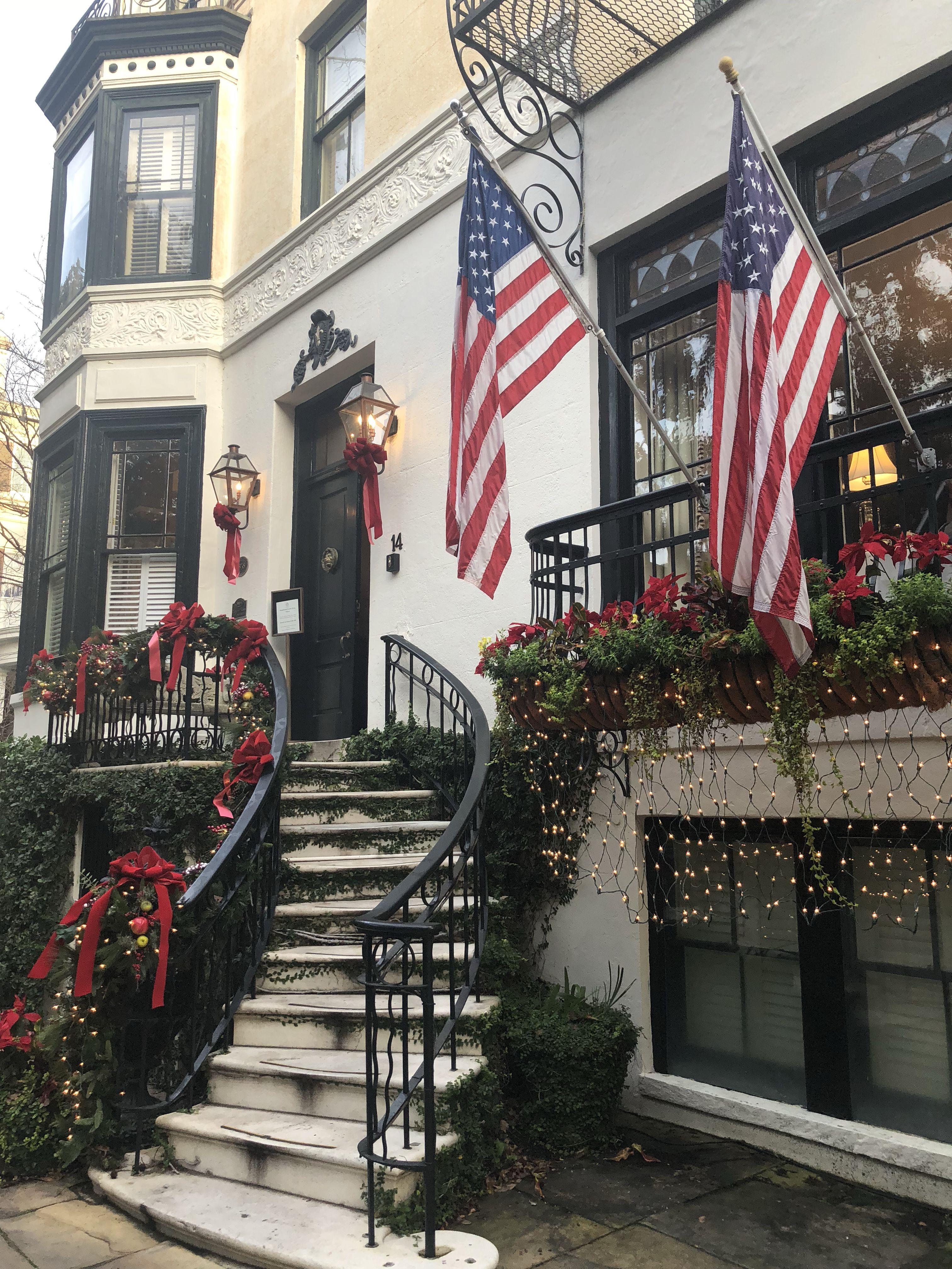 Christmas In Savannah Georgia 2019.Best Place To Stay In Savannah Georgia Ballastone Inn