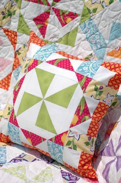 #freequiltingpattern - Virginia Reel Pillow