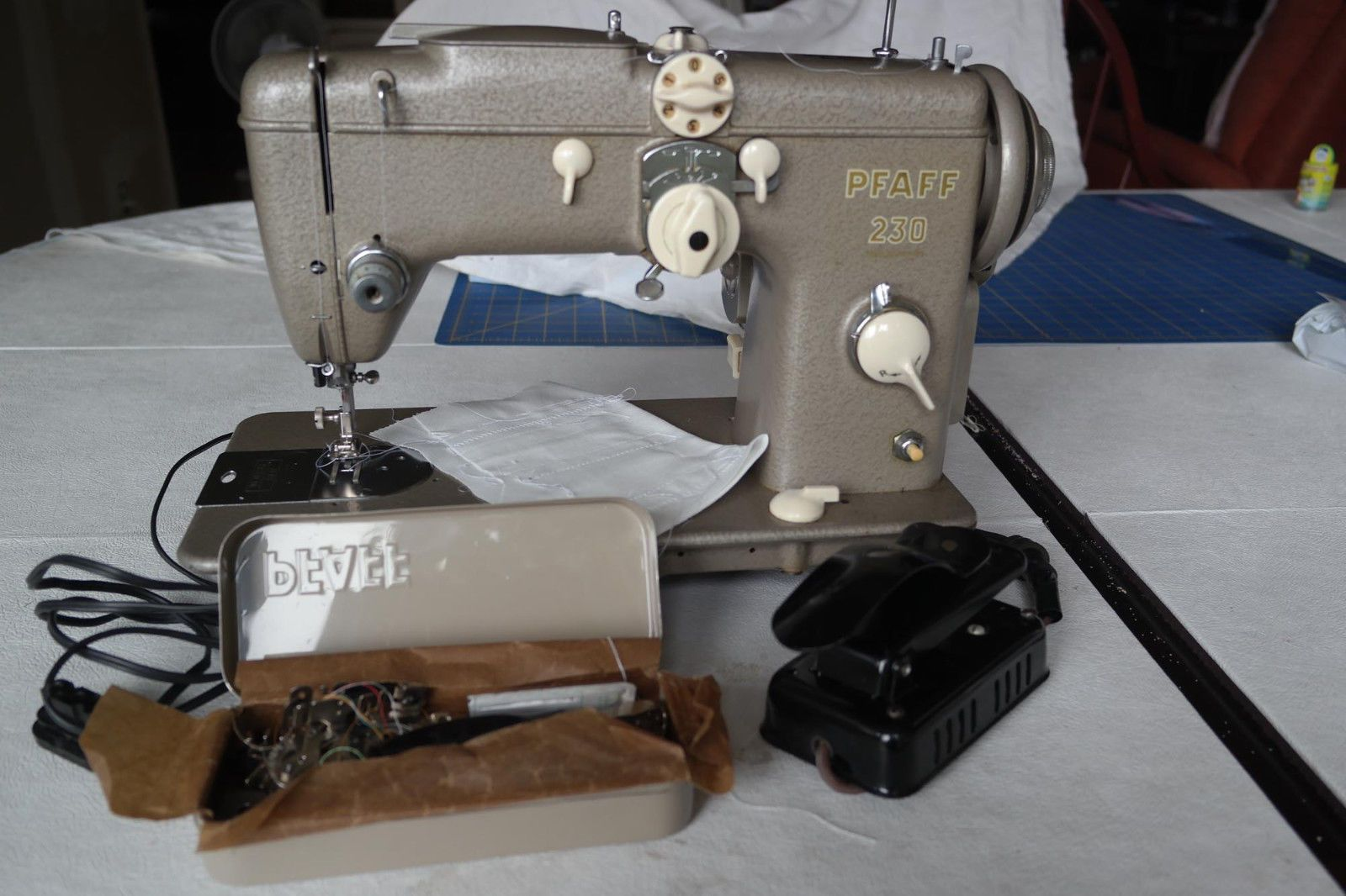 Vintage Pfaff 230 Sewing Machine Embroidery Feet Pedal Accessories Wiring Diagram Kenmore Ebay