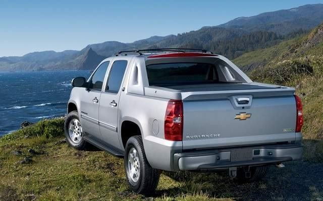 2017 Chevrolet Avalanche Rear View Taillights And Tailpipe