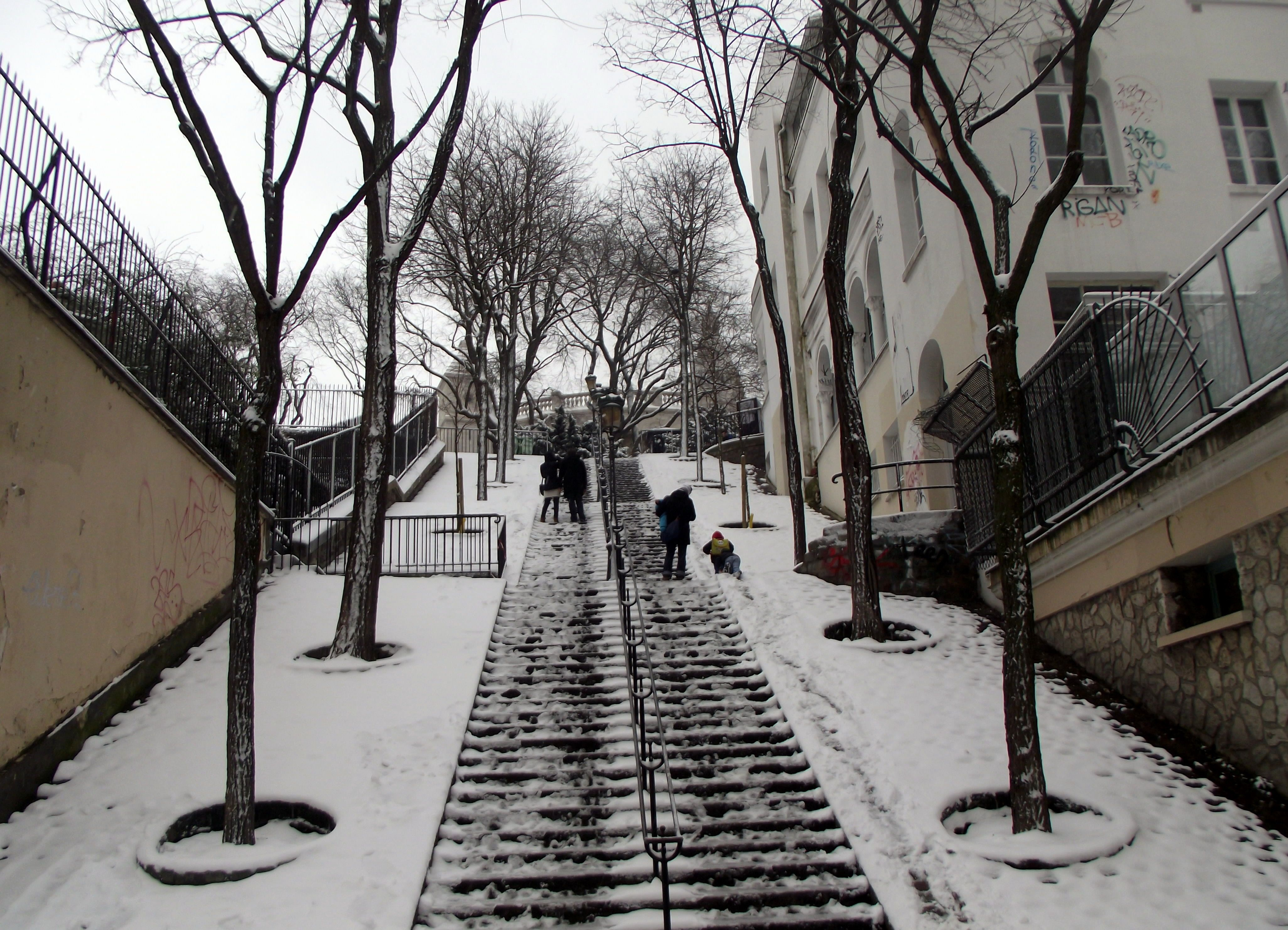 Snow in Monmartre