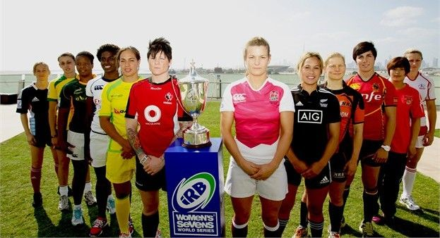 Jen Kish Among The Other Team Captains At The First Event Of The Women S Sevens World Series In Dubai Usa Rugby Women Teams