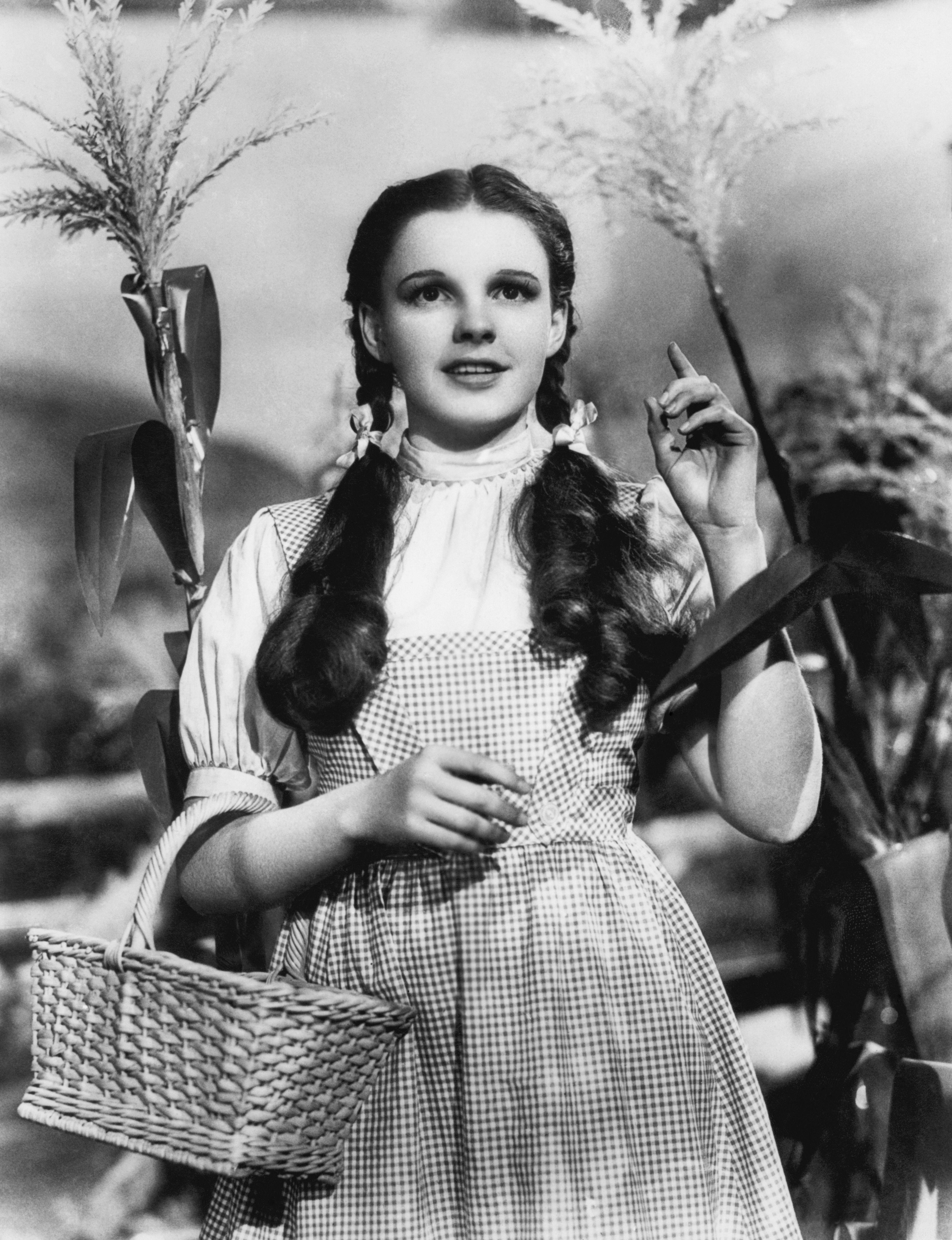 The Trendiest Hairstyle The Year You Were Born Wizard Of Oz Movie Judy Garland Oz Movie