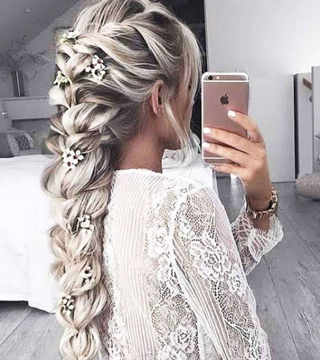 if you are looking for the latest Hairstyles For Graduation, here are the collec…