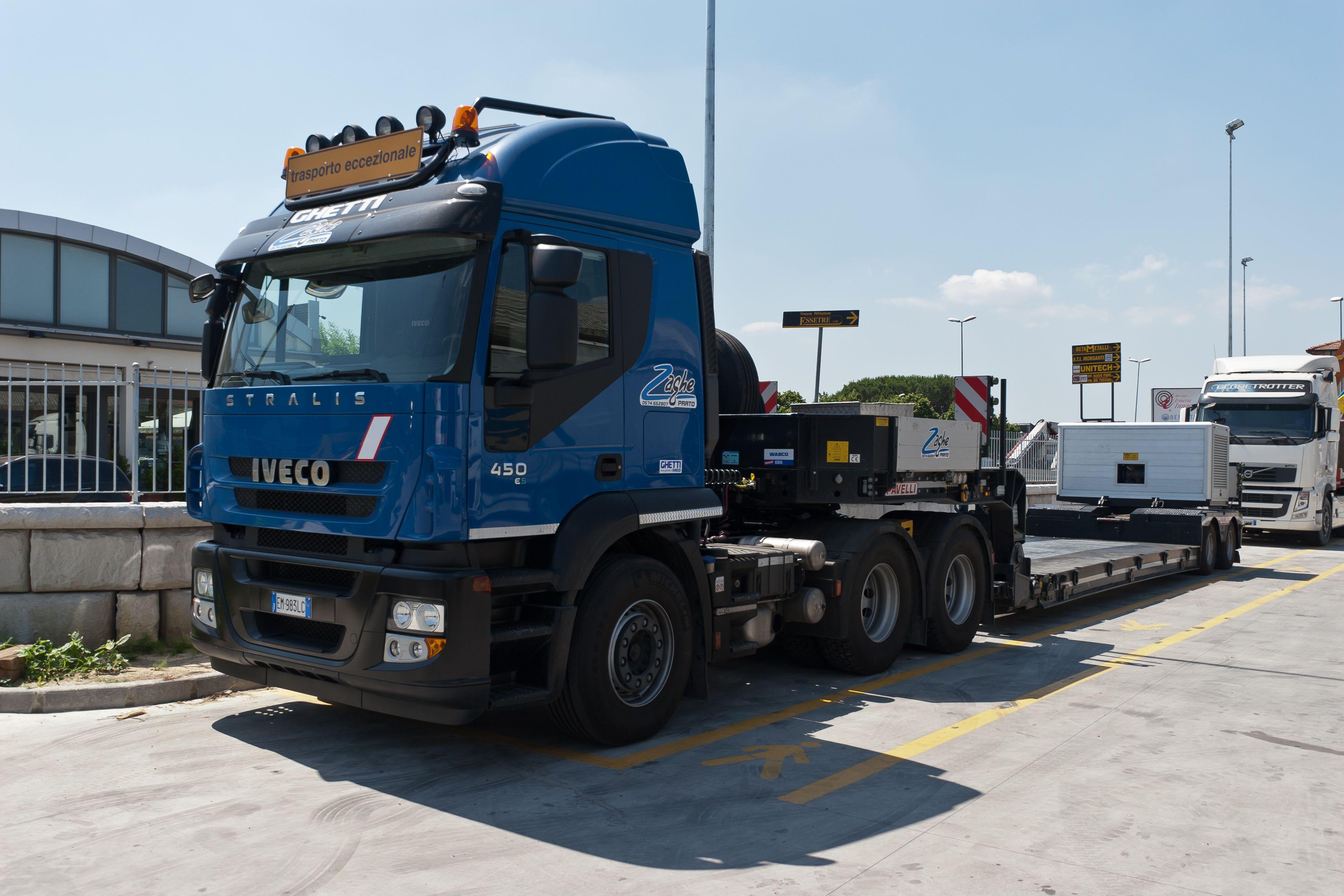 autoarticolato configurato per trasporto eccezionale  iveco stralis 3 assi 450 cv