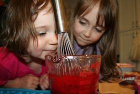 Pink and Green Mama: Daddy Camp: Make Your Own Gummy Candy