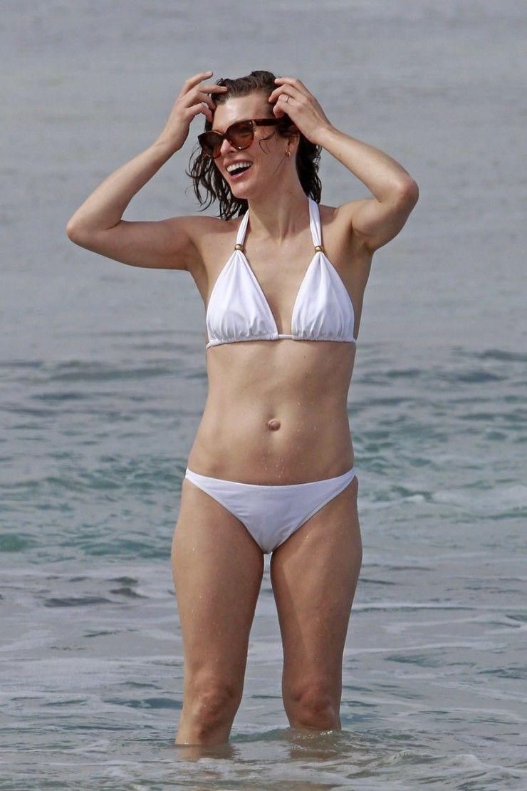 Milla Jovovich  Bikinis, Celebrity Bikini Bodies, Bikini -6961