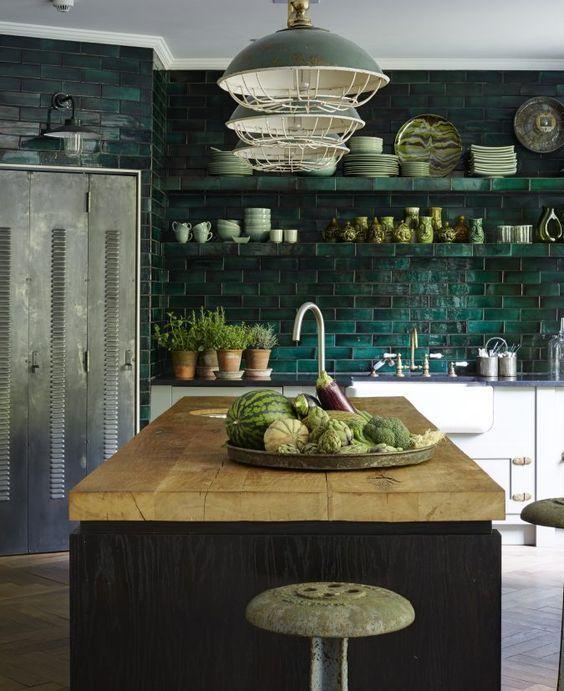 23 Green Kitchen Cabinets Ideas For Your Kitchen Interior #darkgreenkitchen