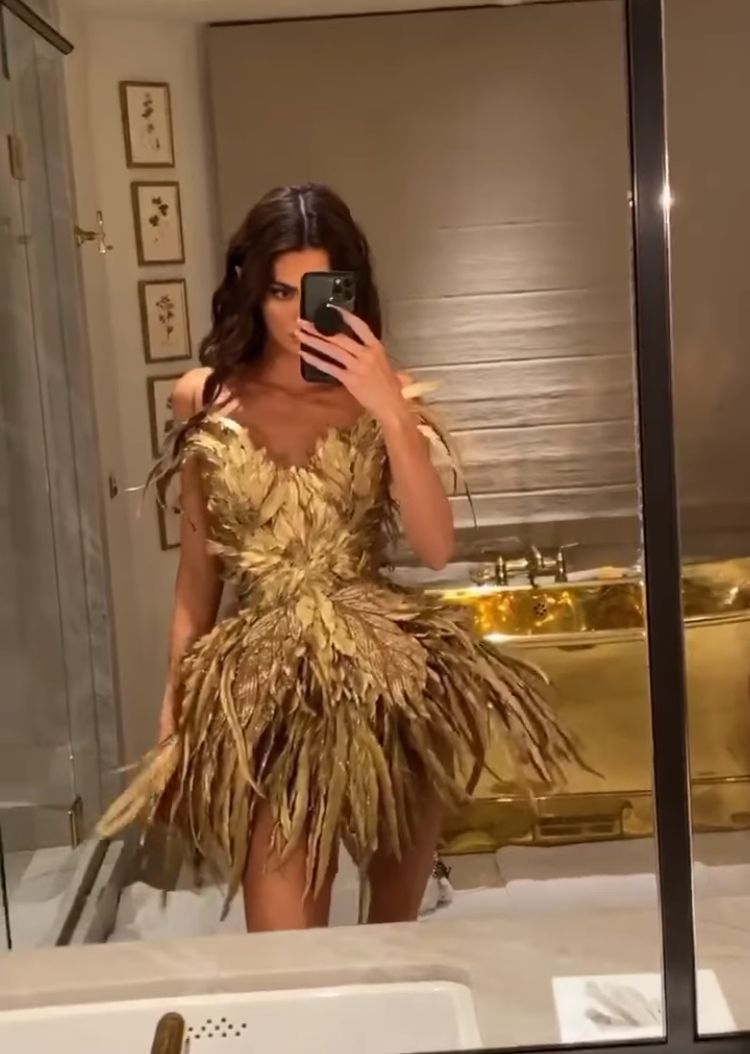 Kendall Jenner Halloween 2020 Pin by Gioia DiBartolomeo on kendall | Kendall jenner street style