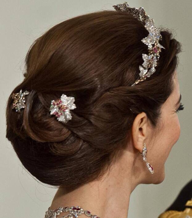 Crown Princess Mary With Pretty Updo And Elegant Hair Gem Hair Jewelry Royal Hairstyles Royal Jewels Gem Hair