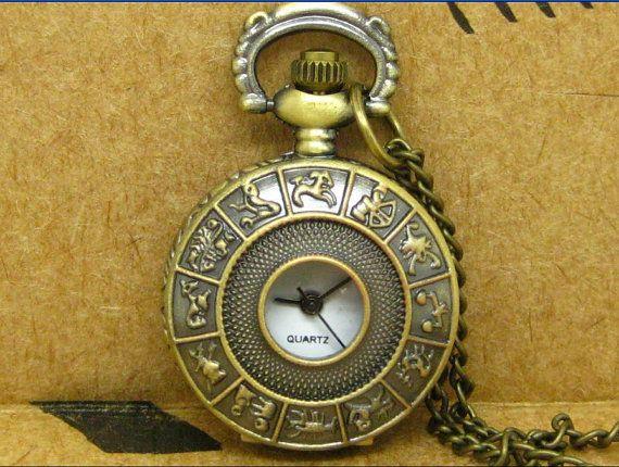 pocket watch antique small necklace pendant Vintage by careycaesar, $2.99  molti orologi bellissimi