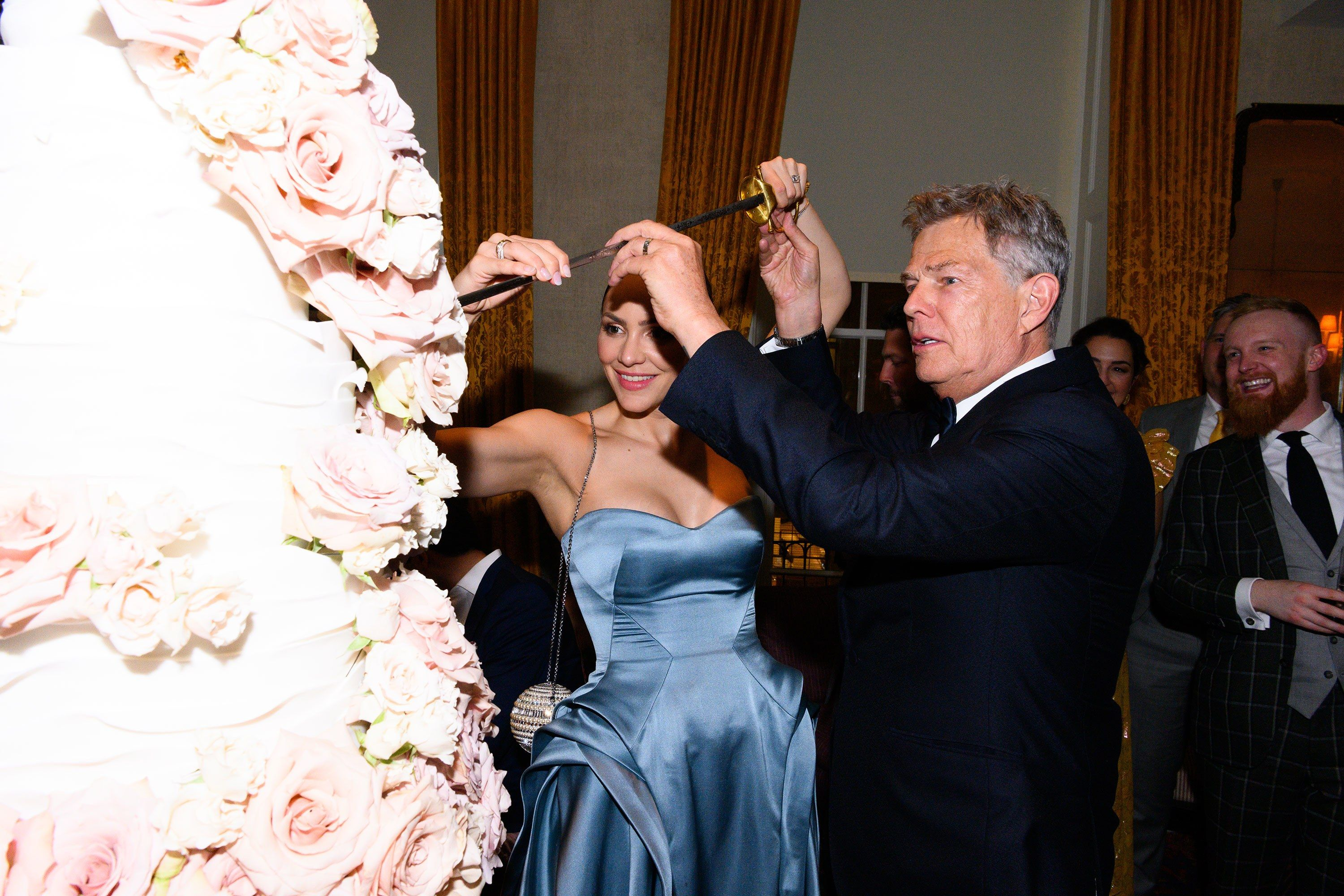 An Exclusive Look Inside Katharine Mcphee And David Foster S Wedding In London Zac Posen Wedding Gowns Zac Posen Wedding Dress Bride Poses