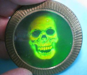 Vintage POG Slammer Hologram Skull Brass | skulls
