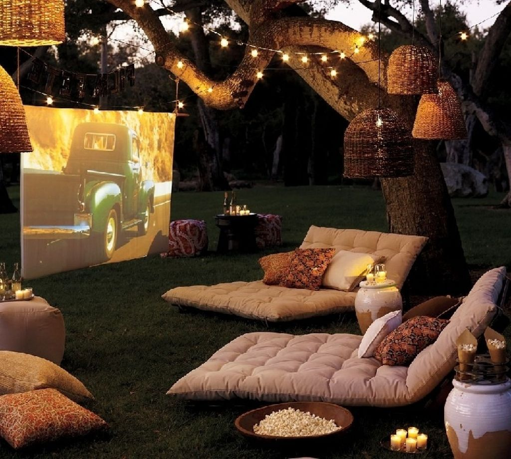Interior Home Movie Theatre Seating Ideas For The Most Comfy And Relaxing Space Cozy Outdo Backyard Entertaining Backyard Furniture Backyard Movie Theaters