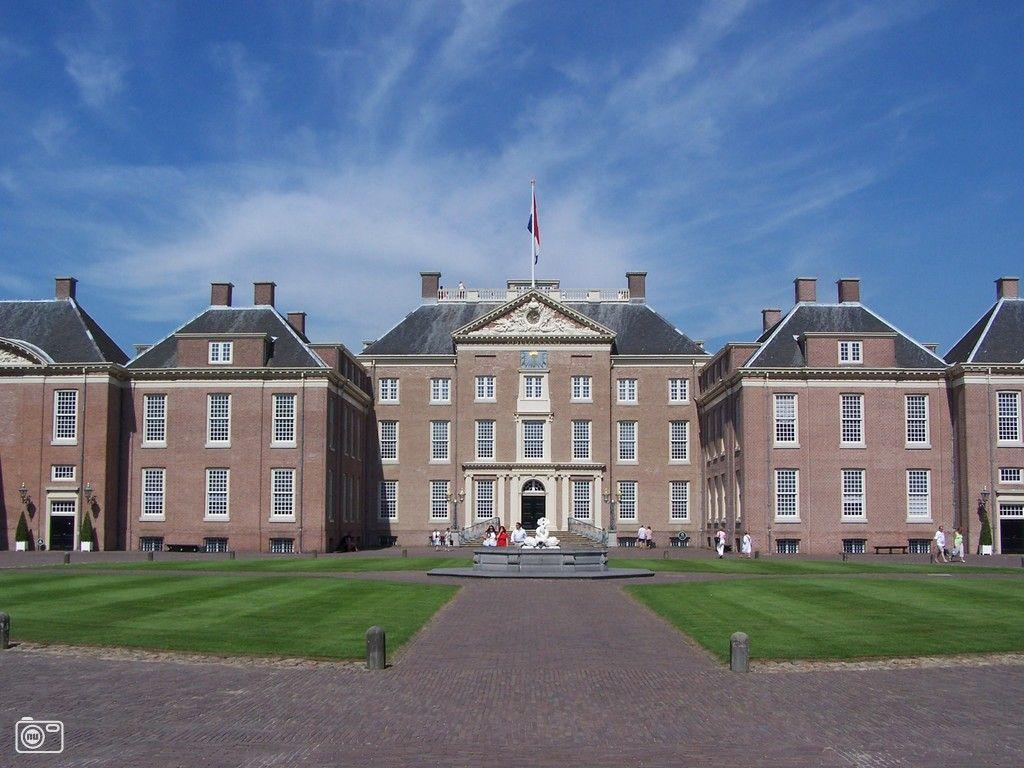 Das Andere Holland - Paleis Het Loo Apeldoorn. Zu Besuch bei Königen: Paleis Het Loo war mehr als dreihundert Jahre die Sommerresidenz der Oranier. #Ausflug #Kultur #Schloss