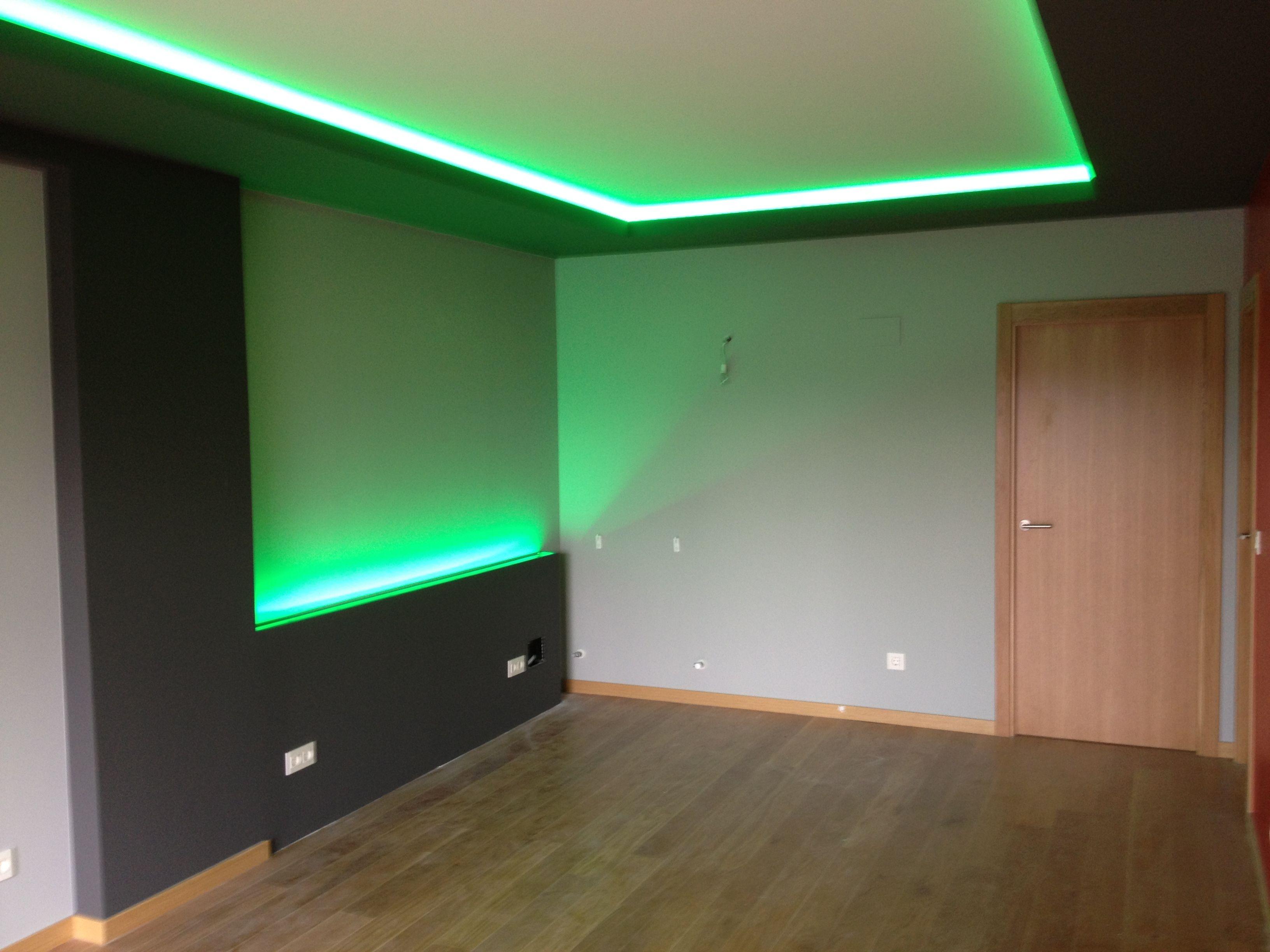Tira rgb en sal n 3 decoracion en pladur pinterest - Iluminacion led salon ...