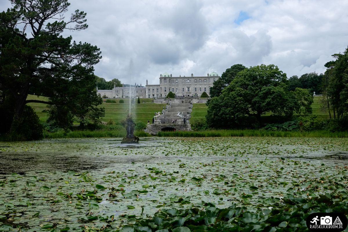 Der Garten Des Powerscourt House Wird Auf Platz Drei Von National Geographics Schonsten Garten Der Welt Gefuhrt Und Ist Auch Dur Irland Rundreise Reisen Irland